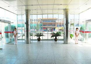 河南人民医院正面照片